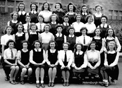 1944 Hermitage 4th Year girls